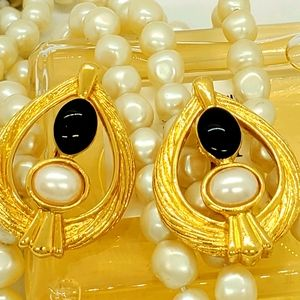 Vintage Avon Signed Couture Earrings